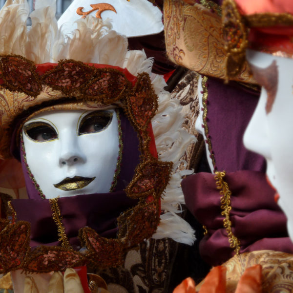 Put your mask on: It's Carnevale! [+ Free Vocabulary]